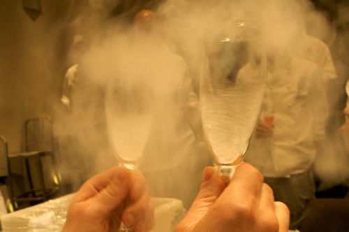 liquid nitrogen glass chilling